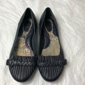 Born Black Leather Flats Sz 8 1/2
